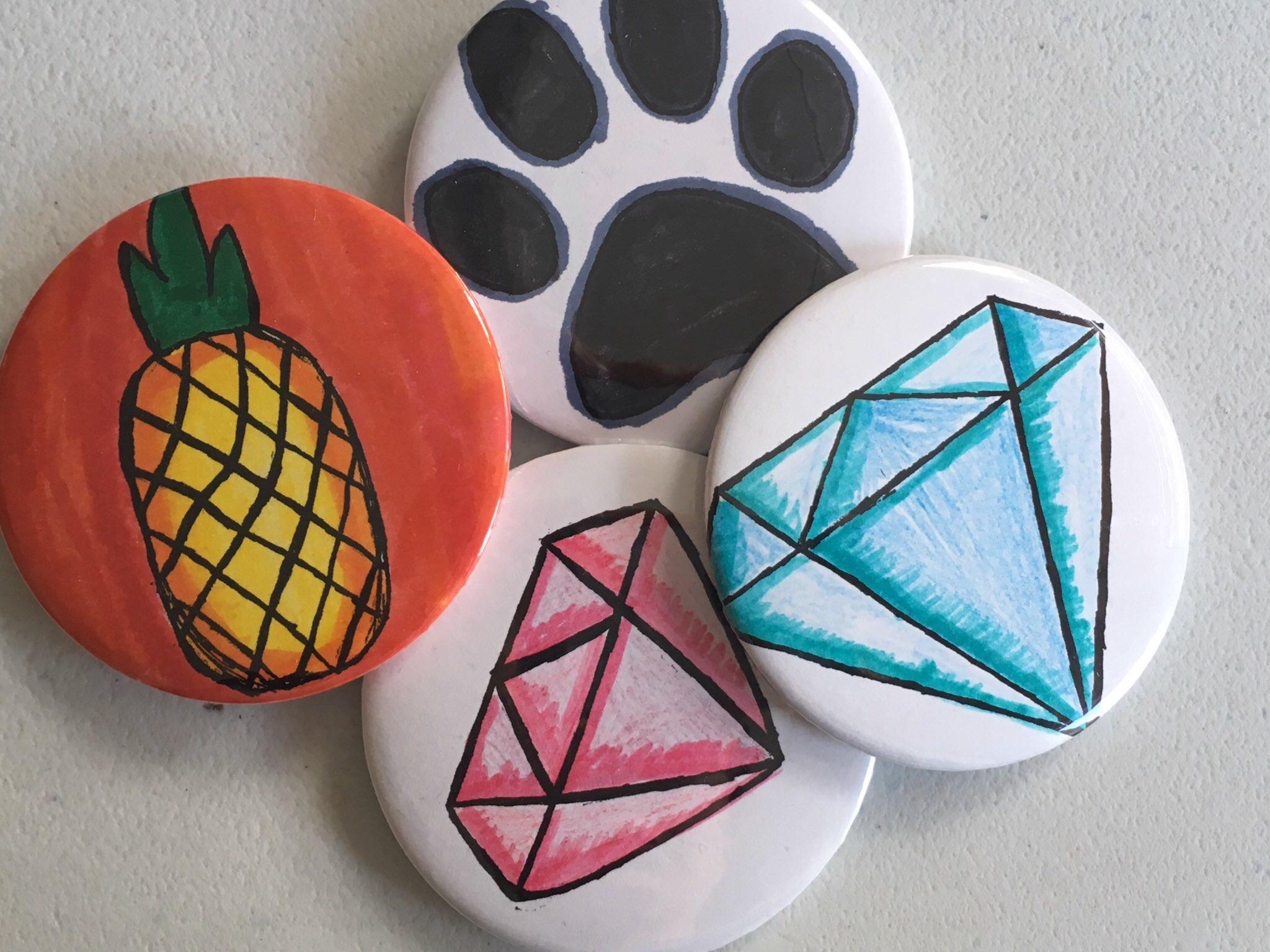 Children's badge making